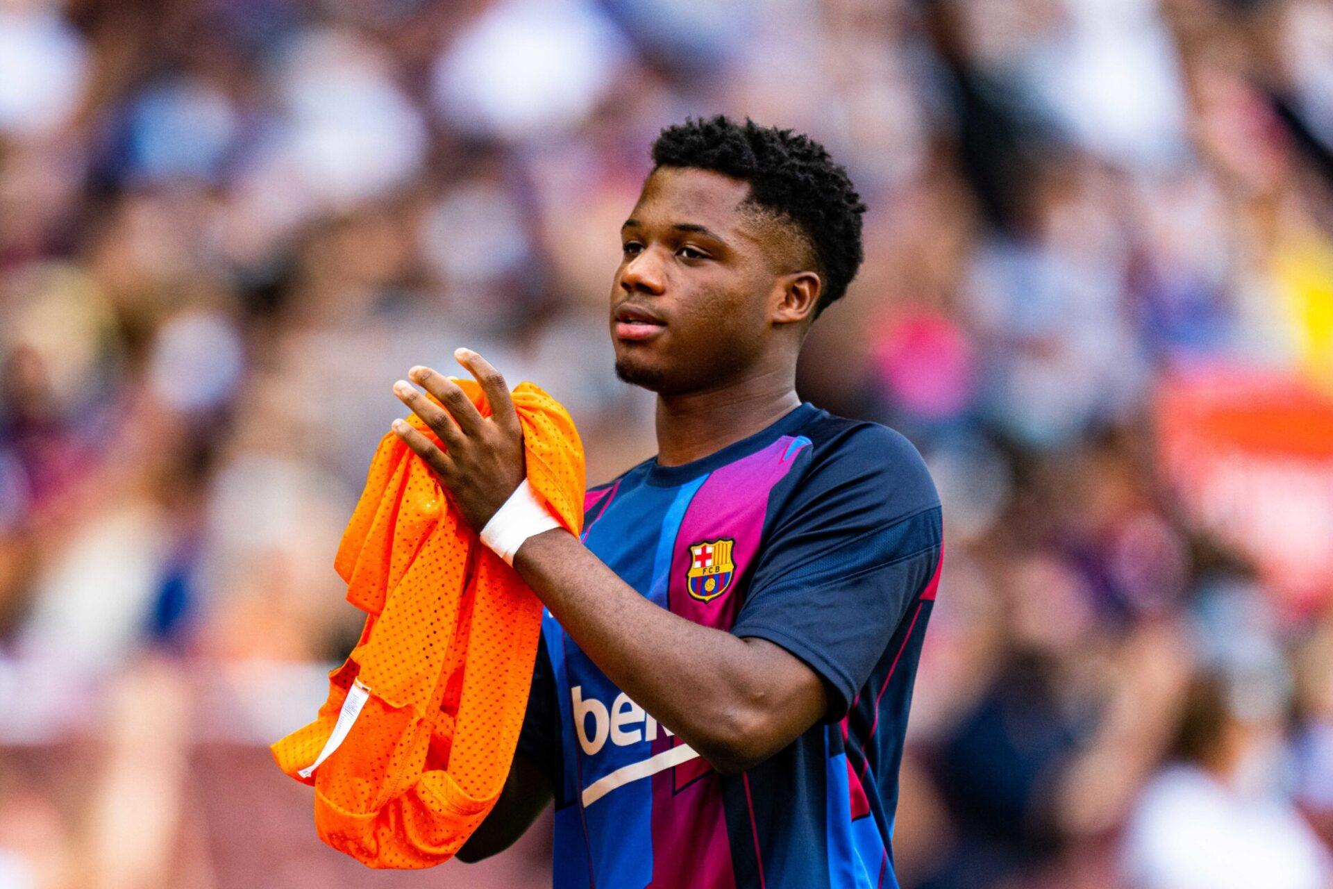 Fati devrait d'abord signer un nouveau contrat court, avant un nouveau bail plus long quand la situation économique du Barça le permettra (iconsport)