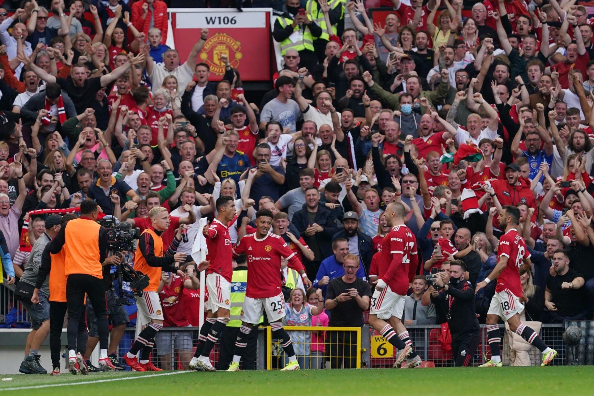 C'est la fête à Old Trafford : Cristiano Ronaldo a signé son retour par un doublé et Manchester United est leader de Premier League. Icon Sport