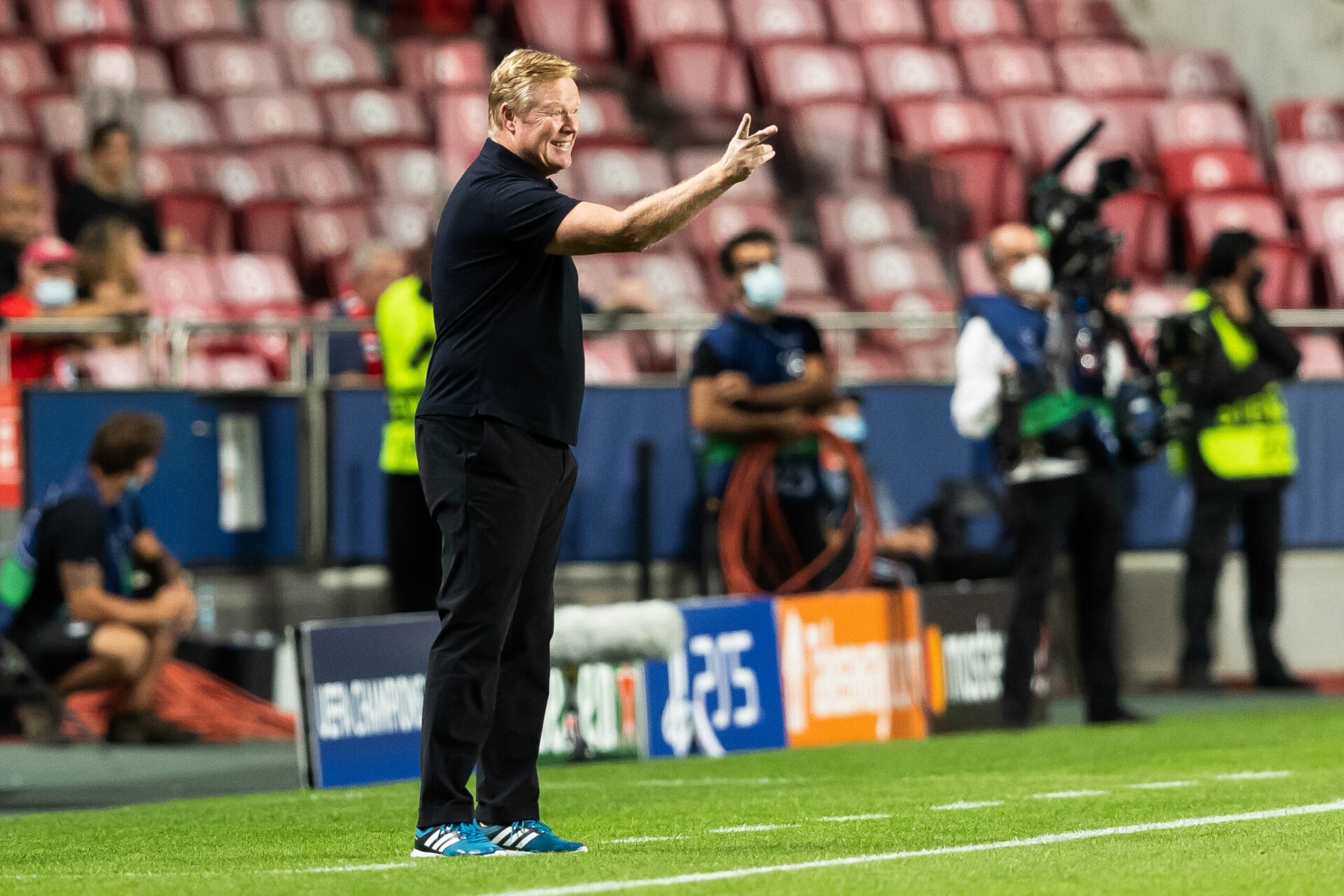 À Lisbonne, Koeman n'est pas parvenu à inverser le cours du match alors que ses joueurs sombraient pour la deuxième fois de suite en Ligue des champions (iconsport)