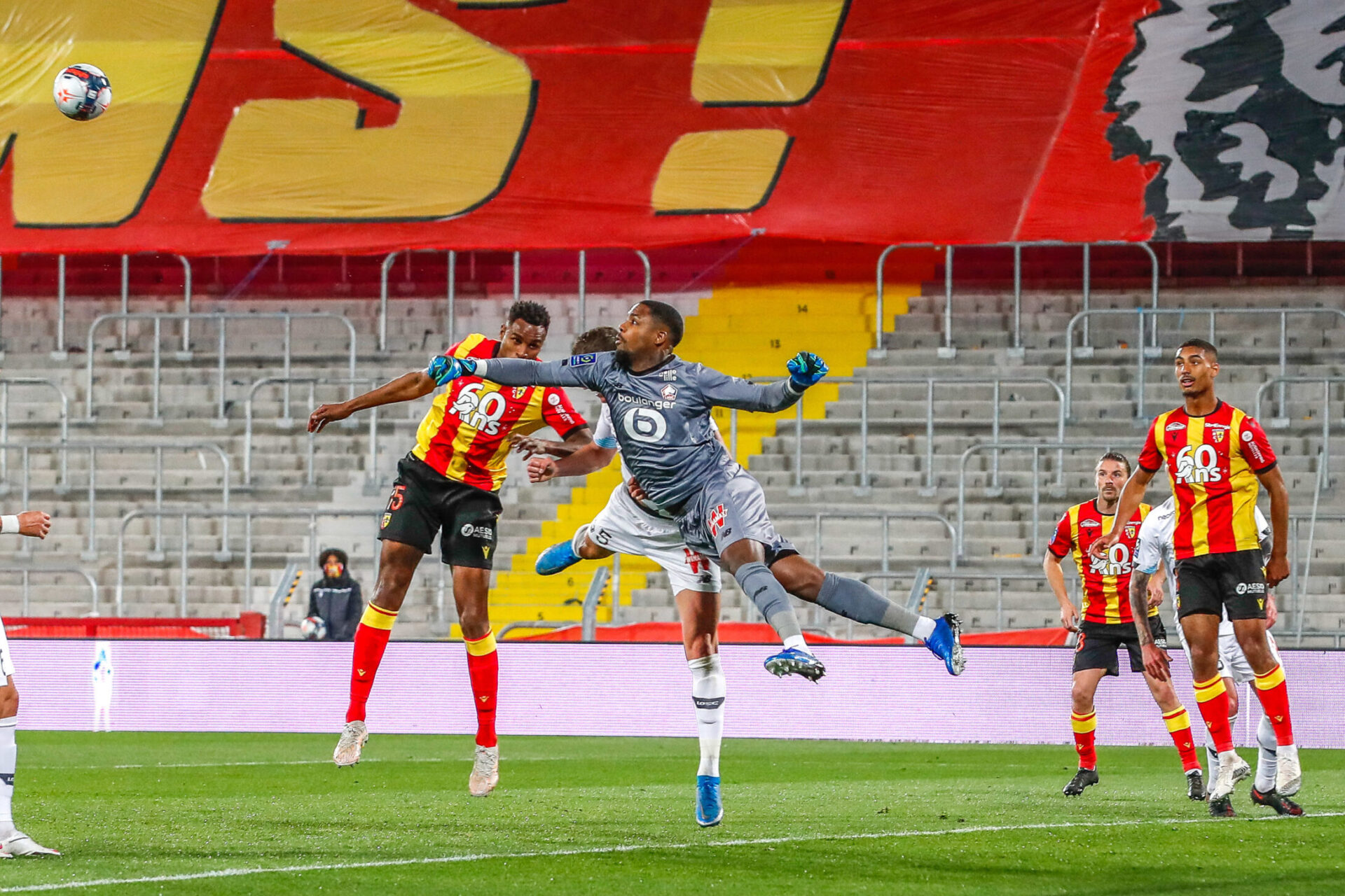 La saison dernière s'était largement imposé sur la pelouse du RC Lens, sur le score de trois buts à zéro. Icon Sport