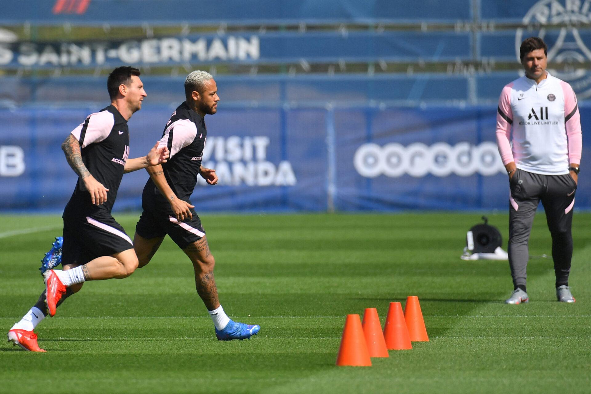 Mauricio Pochettino, Lionel Messi et Neymar lors d'un entraînement du Paris Saint-Germain (IconSport)