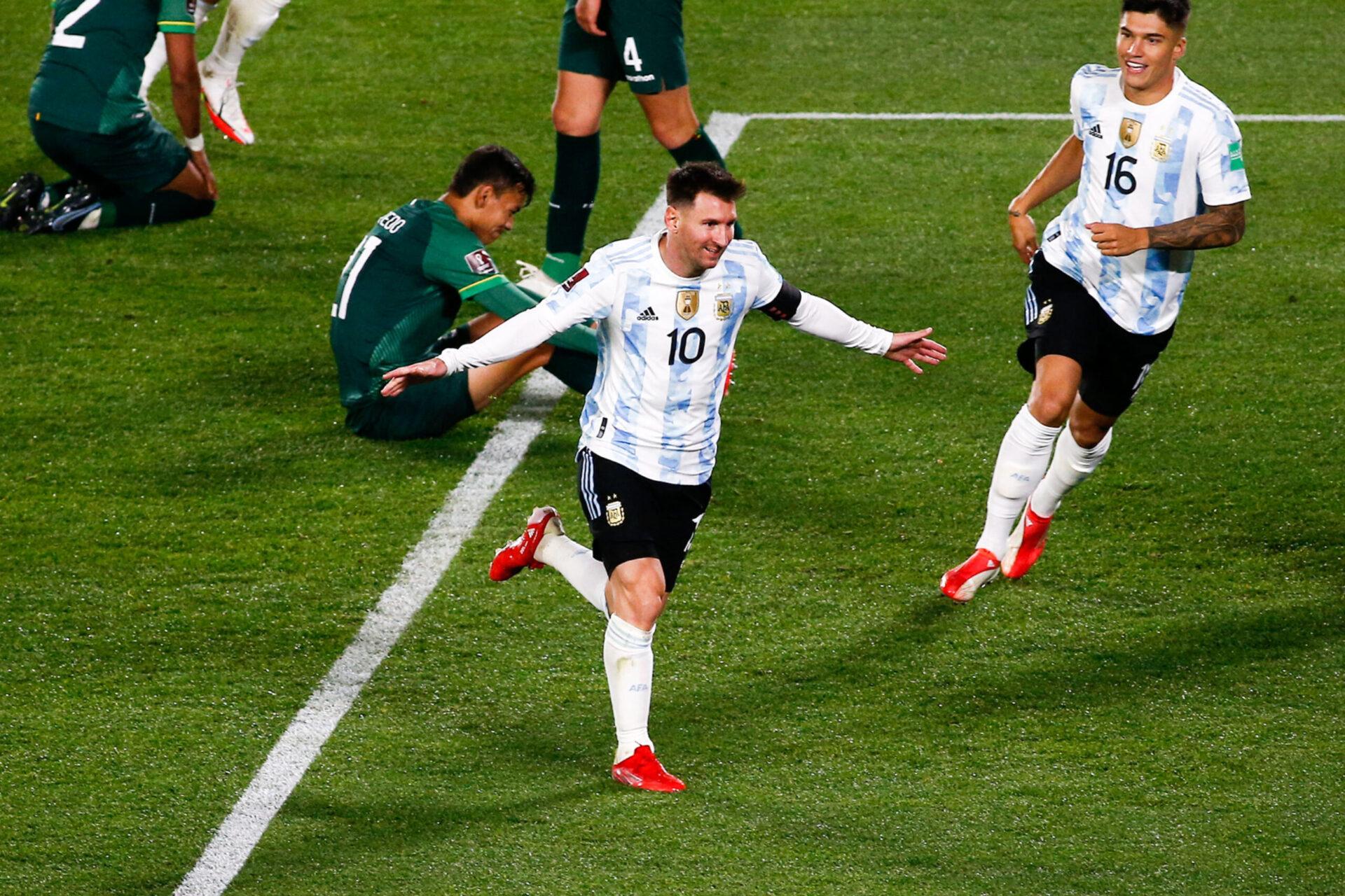 Auteur d'un triplé contre la Bolivie, Lionel Messi a dépassé le Roi Pelé au nombre de buts inscrits avec une équipe sud-américaine. Icon Sport