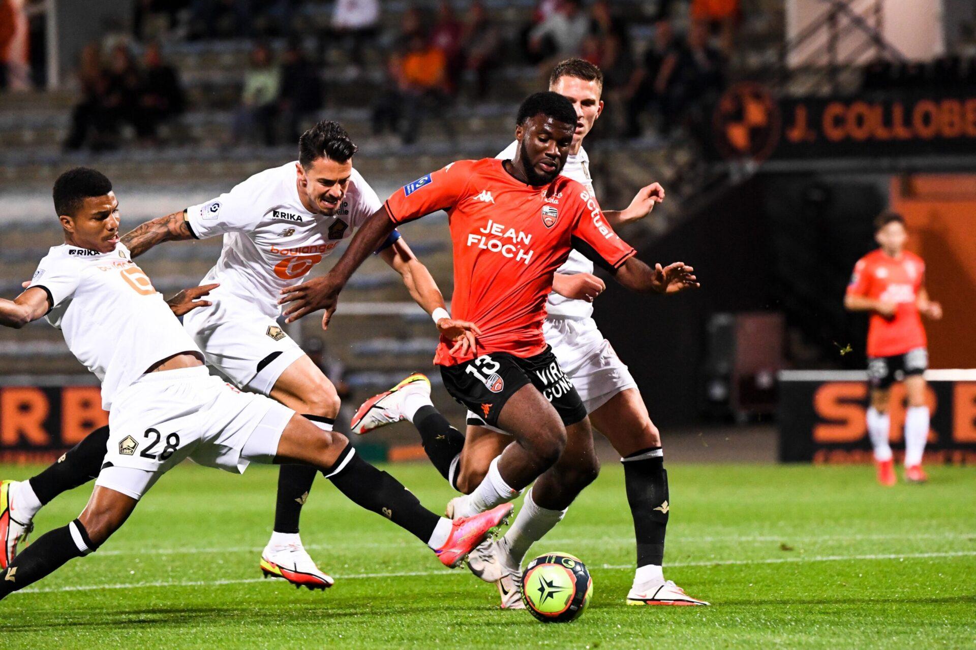 Alors que son LOSC s'est incliné à Lorient le week-end dernier, Jocelyn Gourvennec a regretté de voir son équipe ne pas afficher de progrès par rapport aux précédentes rencontres (iconsport)