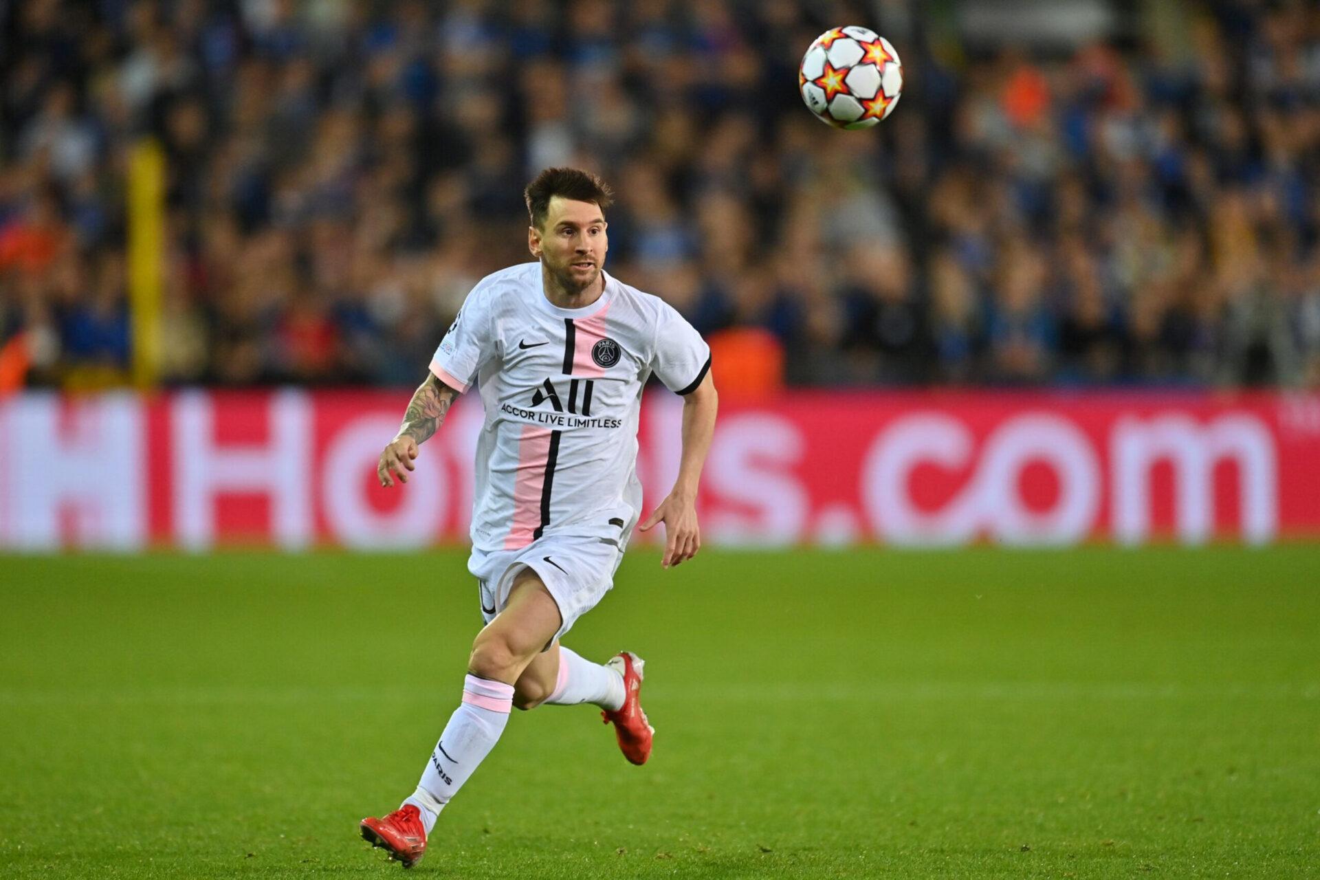 Ce dimanche 19 septembre, Lionel Messi devrait fouler pour la première fois la pelouse du Parc des Princes sous ses nouvelles couleurs (IconSport)