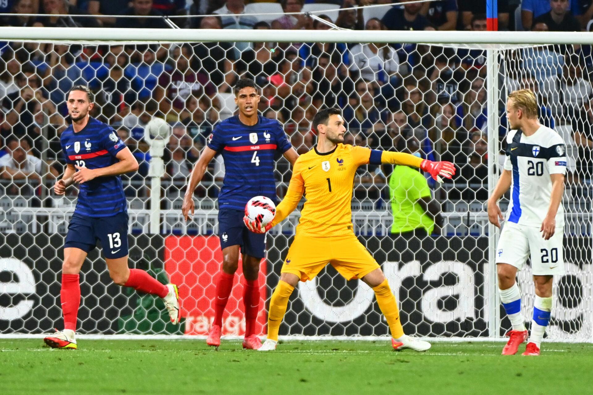 """Hugo Lloris estime que le 3-4-1-2 est un schéma """"intéressant"""" , mais qui dépend surtout de l'engagement des Bleus. Icon Sport"""