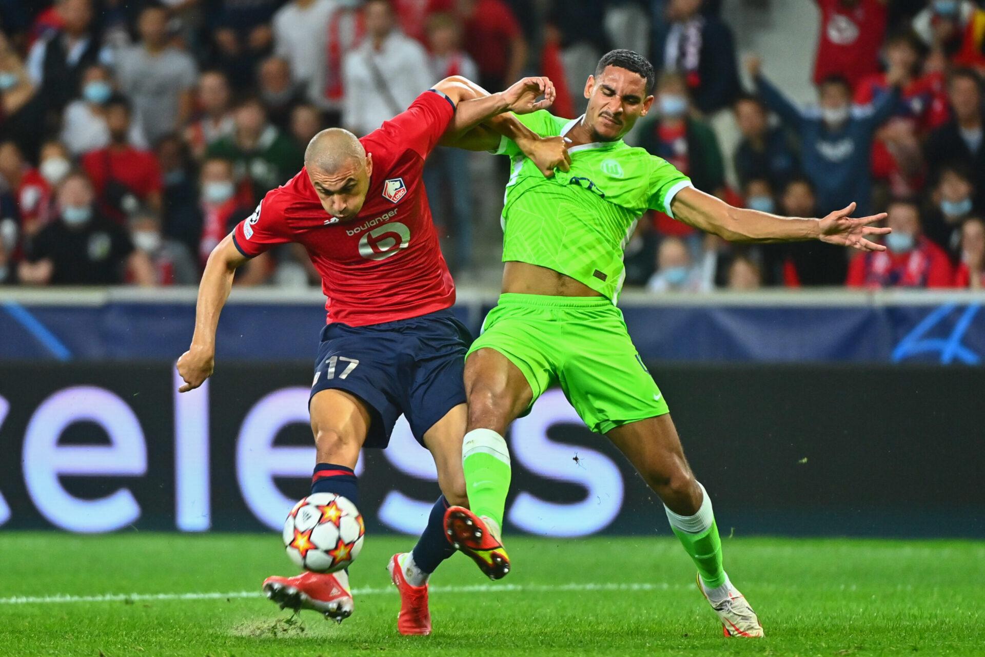 Au duel avec Maxence Lacroix, Burak Yilmaz a été la menace numéro une de Lille en première période (iconsport)