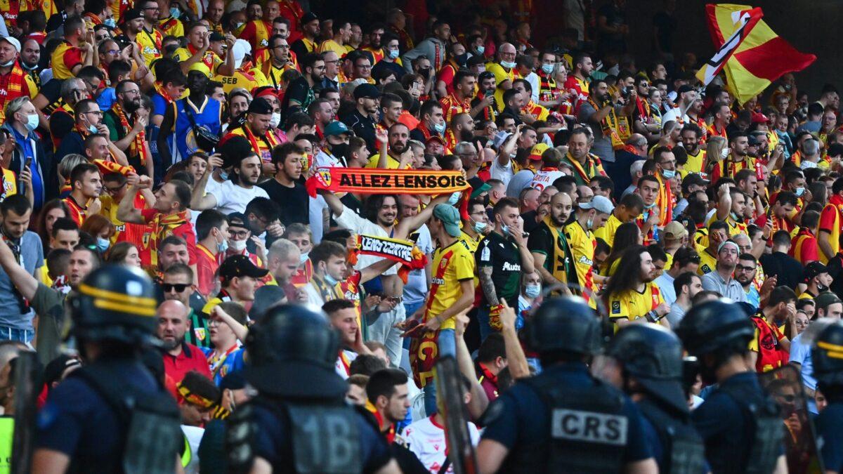 Lens ne vas pas tarder avant de sanctionner les supporters coupables d'actes répréhensibles contre Lille (iconsport)