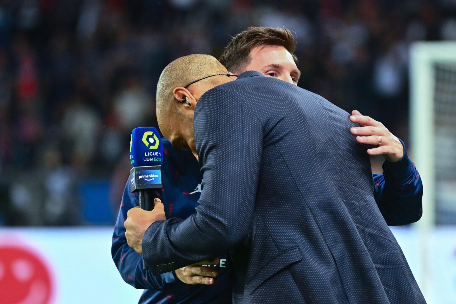 Anciens coéquipiers au Barça, Thierry Henry et Lionel Messi se sont salués avant PSG - Lyon (iconsport)