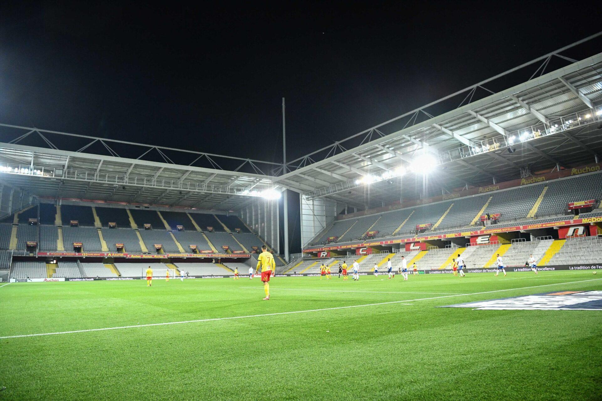 La tribune visiteurs du stade Bollaert-Delelis sera fermée le temps que des travaux de sécurisation y soient effectués (iconsport)