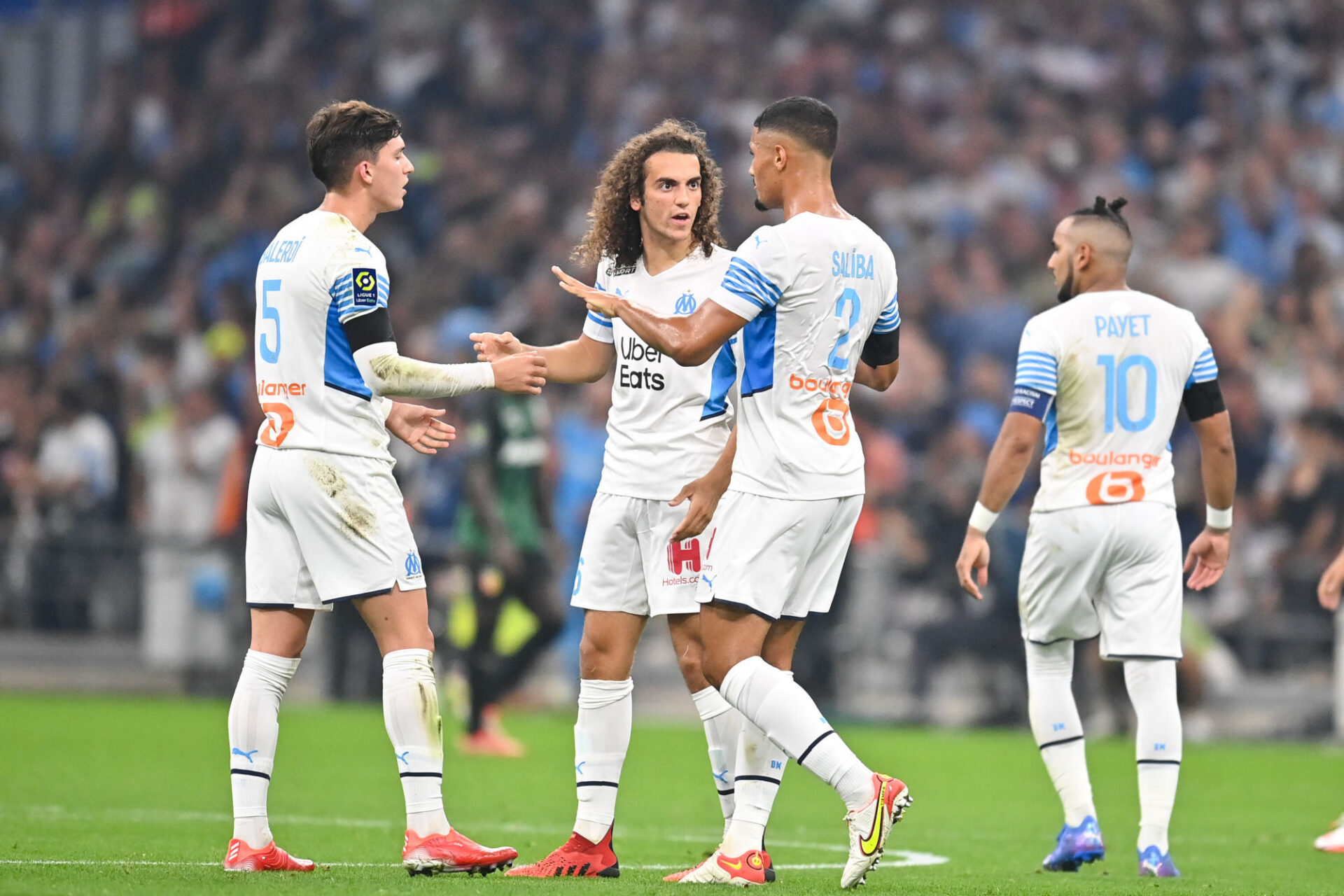 Mattéo Guendouzi irriterait certains coéquipiers par son comportement. Icon Sport