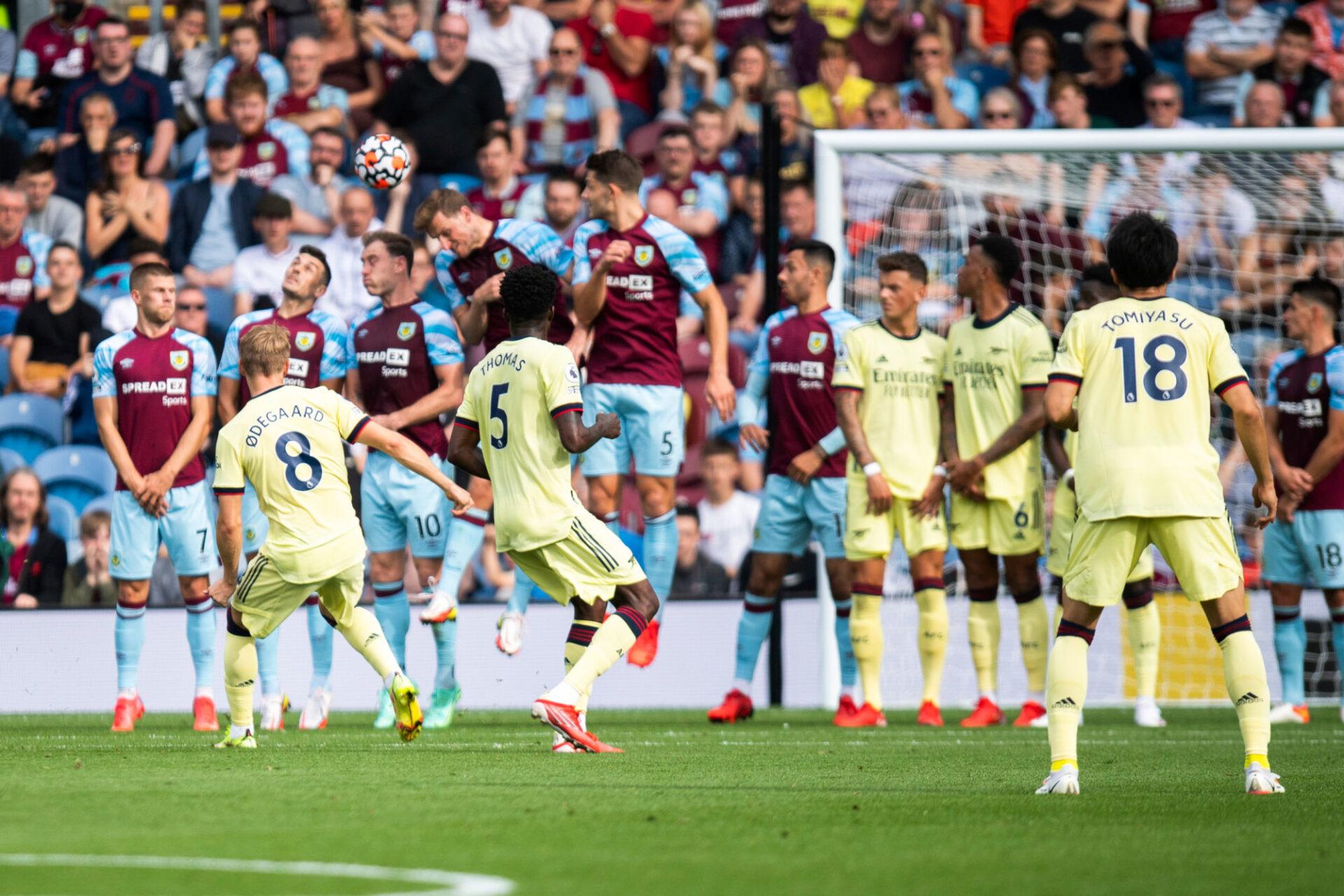 Premier League : le superbe coup franc de Martin Odegaaard pour Arsenal (iconsport)