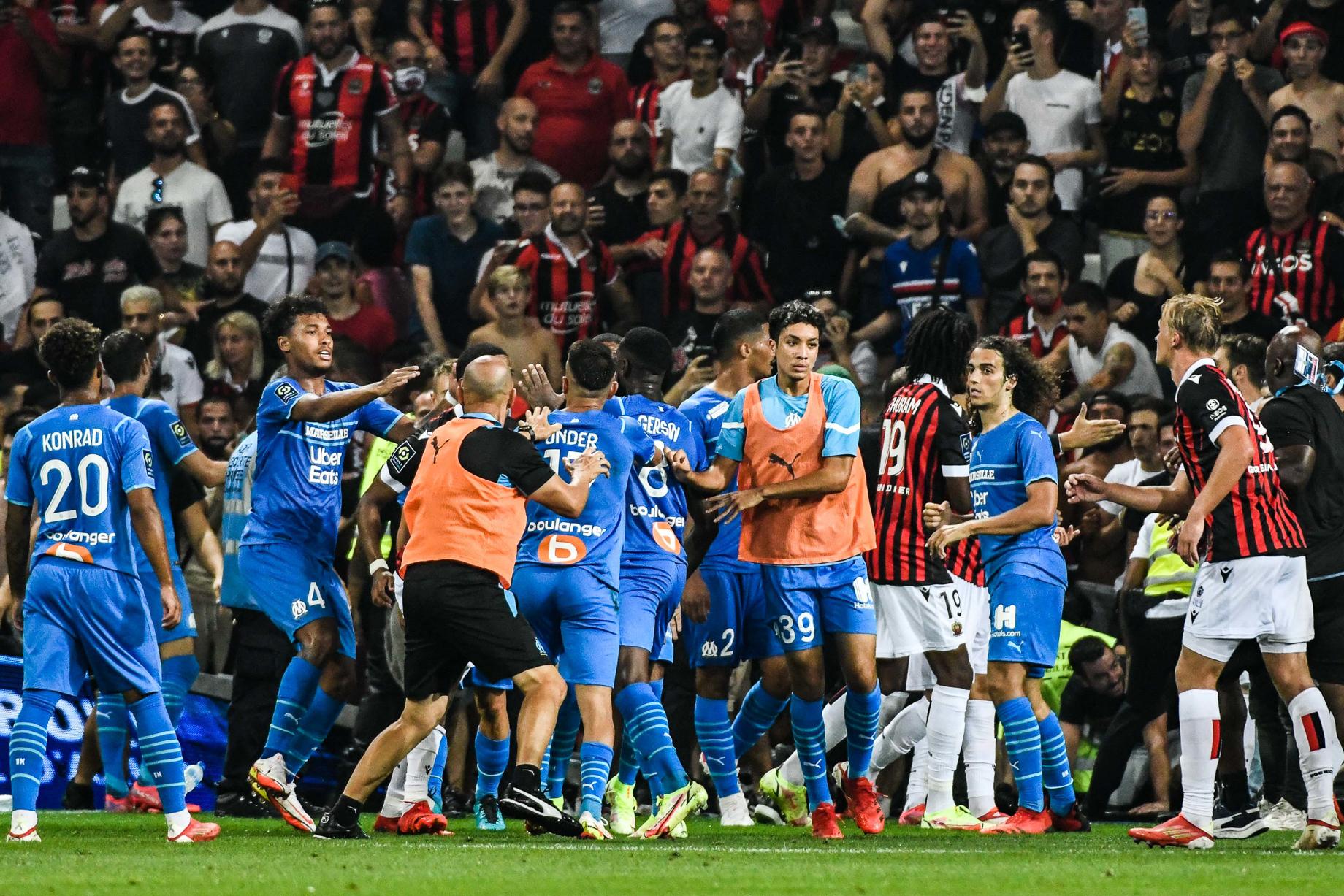 Les violences lors du match entre Nice et l'OM (iconsport)