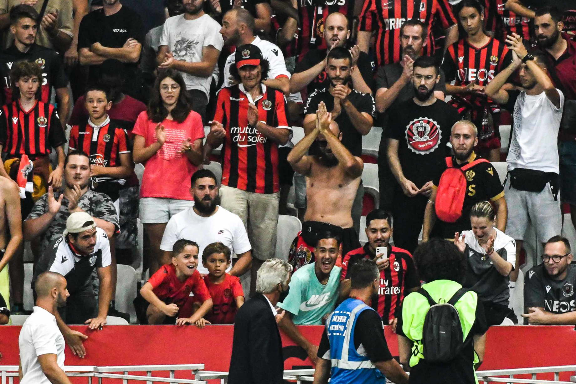 Jean-Pierre Rivère avait échangé avec les supporters niçois après les incidents contre l'OM. Icon Sport