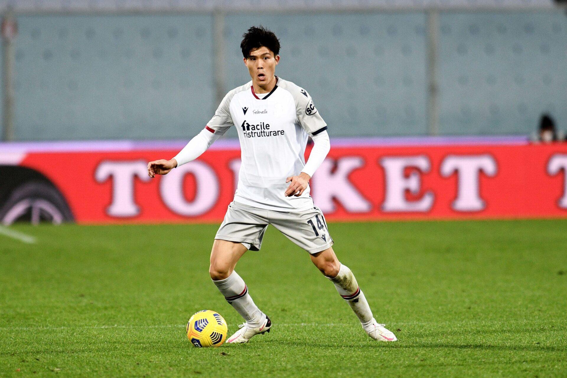Tomiyasu pourra être utilisé dans l'axe ou à droite de la défense par Arteta (iconsport)