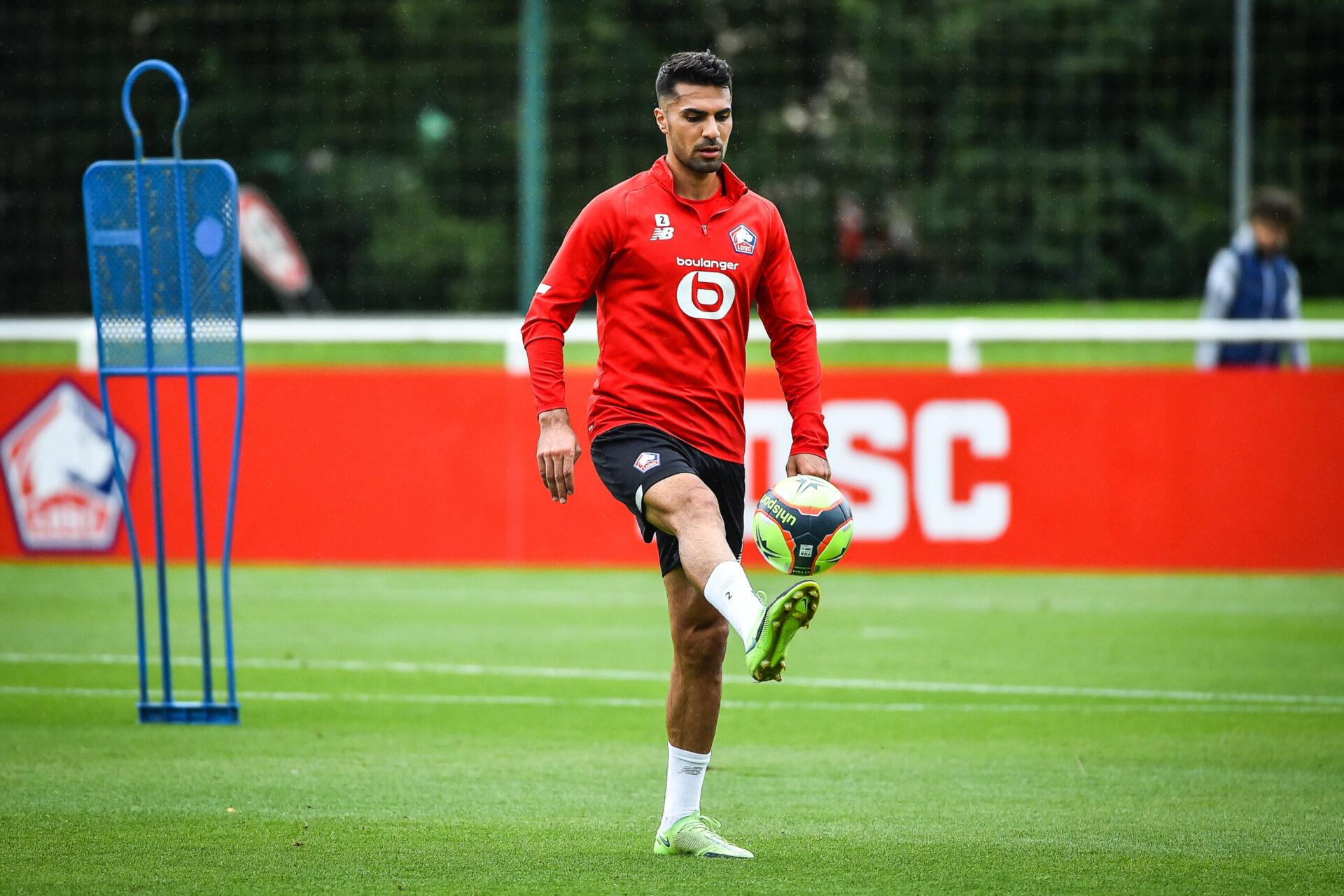 De retour dans le groupe de Lille, Zeki Celik pourrait débuter à la place de Tiago Djaló contre Wolfsburg (iconsport)