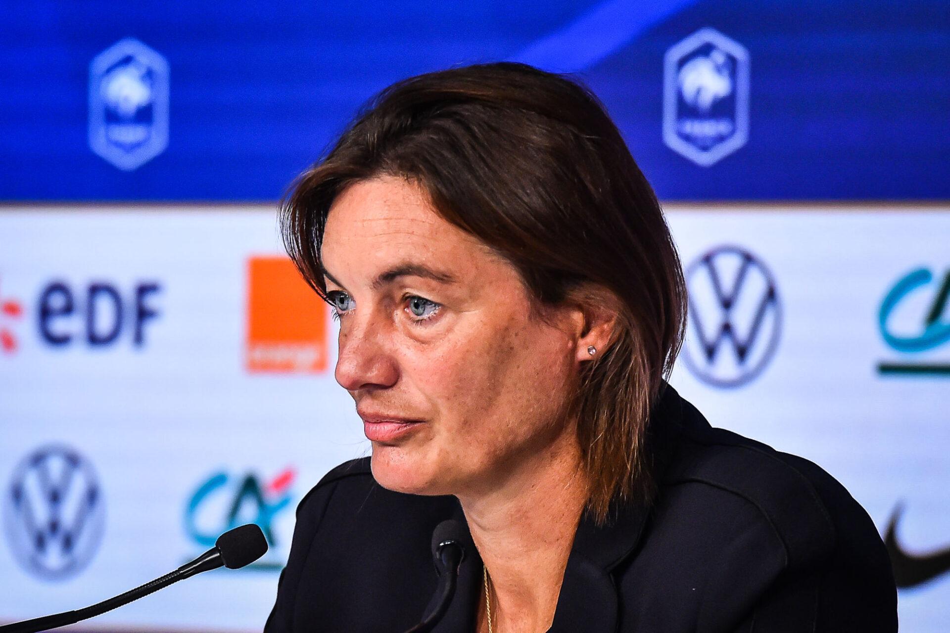 Corinne Diacre a justifié ses choix en conférence de presse. Icon Sport