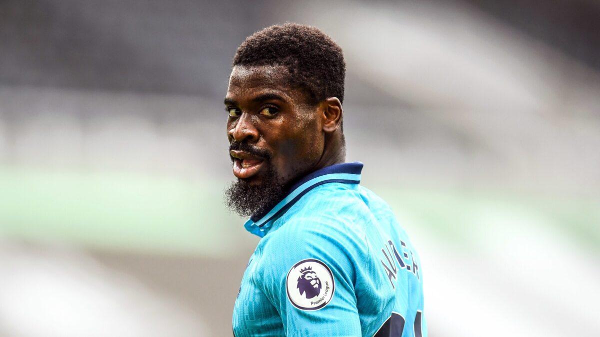 Everton pourrait bientôt proposer un contrat à Aurier (iconsport)