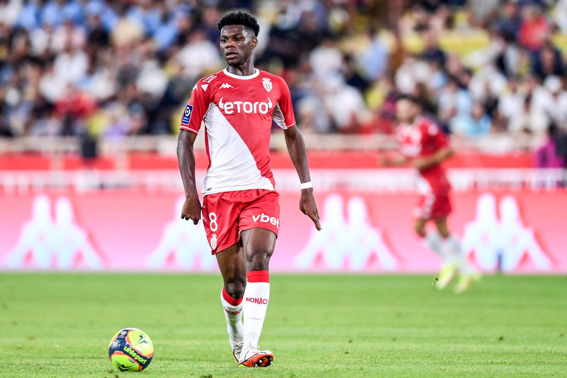 Très en vue avec l'équipe de France, Aurélien Tchouaméni a vcu un dur retour à la réalité avec Monaco contre l'OM. Icon SPort