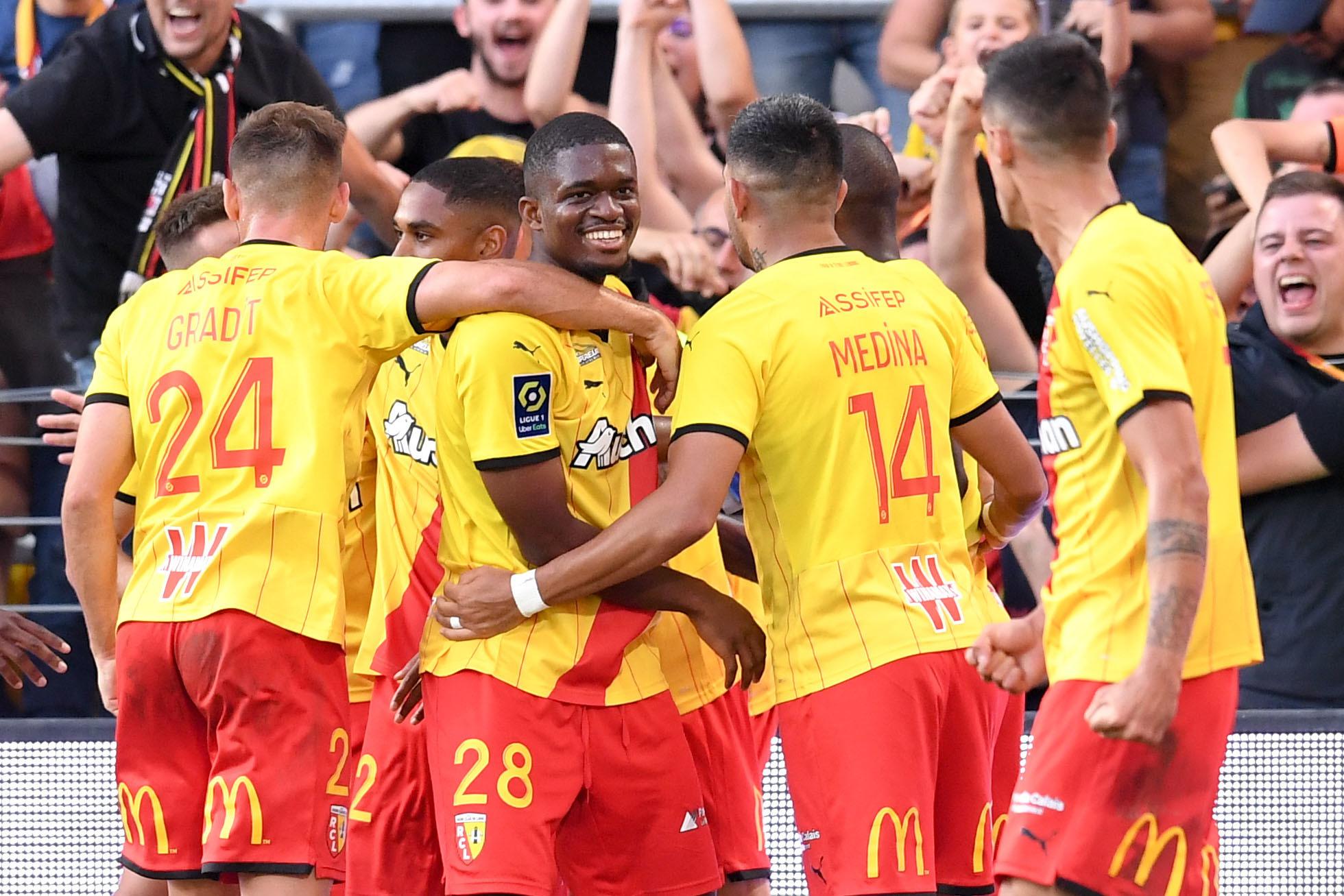 Lens bat Lille et monte sur le podium (iconsport)