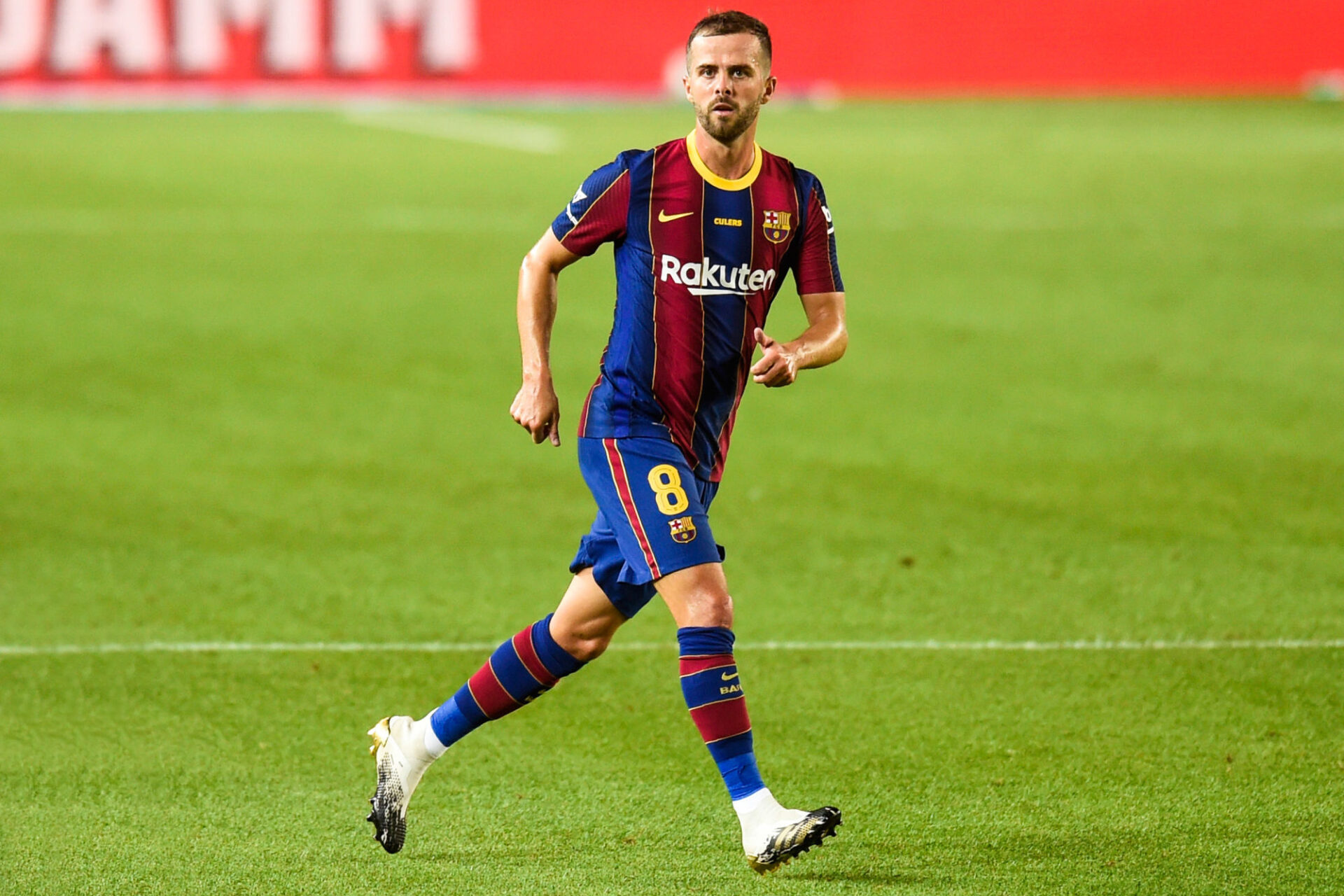 Miralem Pjanić a disputé 30 matchs avec le Barça la saison dernière, mais la majorité en tant que remplaçant. Icon Sport