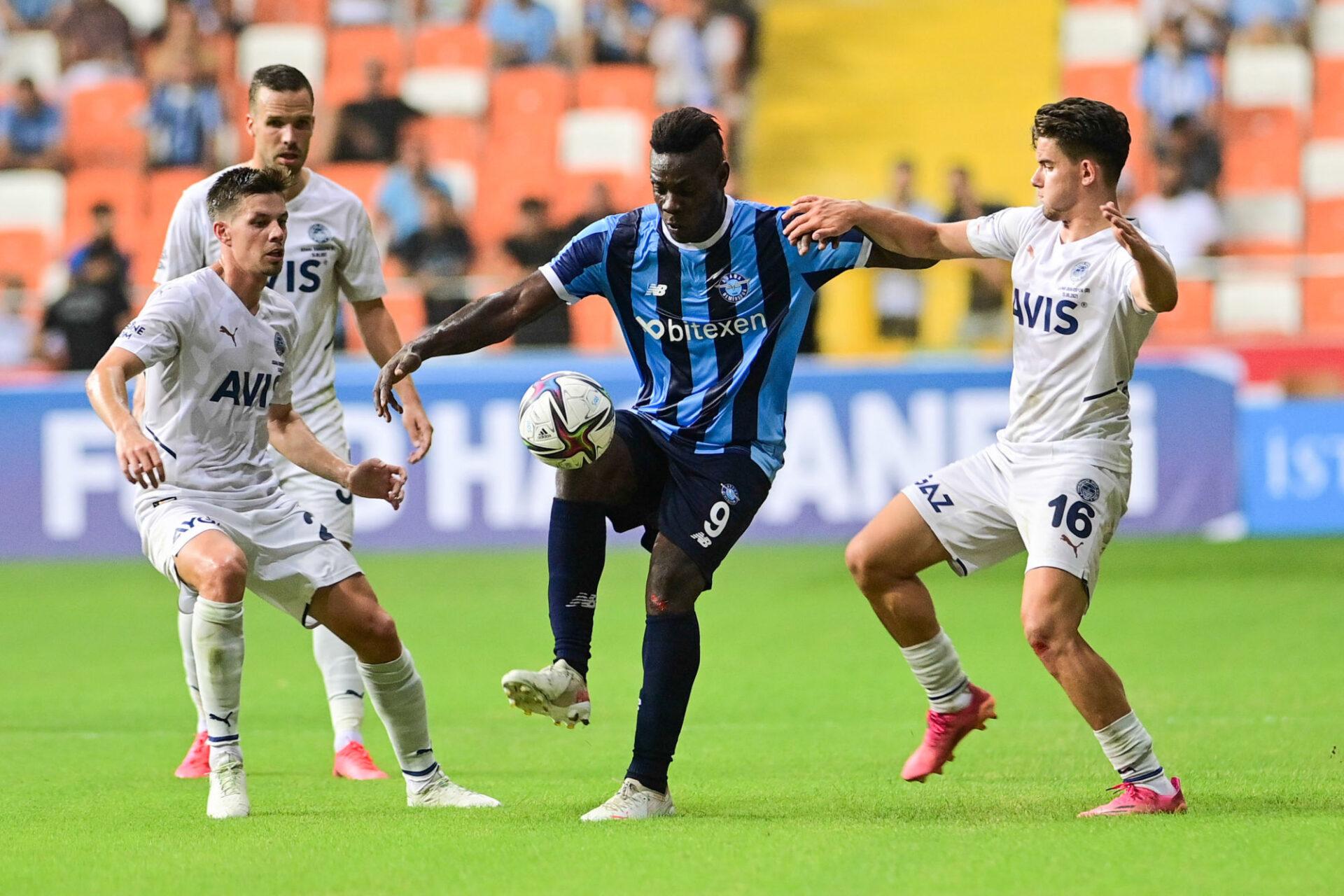 Mario Balotelli se fait plaisir à l'Adana Demirspor. Icon Sport