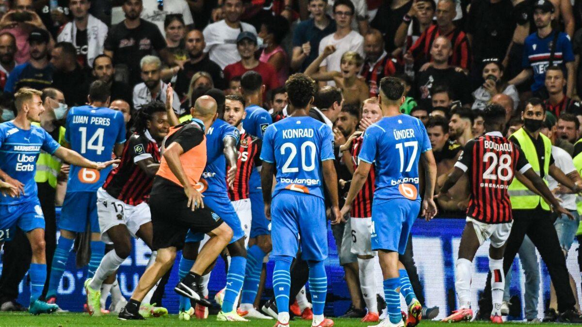 Après l'interruption du premier match suite aux incidents, Nice et l'OM se retrouveront à Troyes, cette fois à huis clos (iconsport)