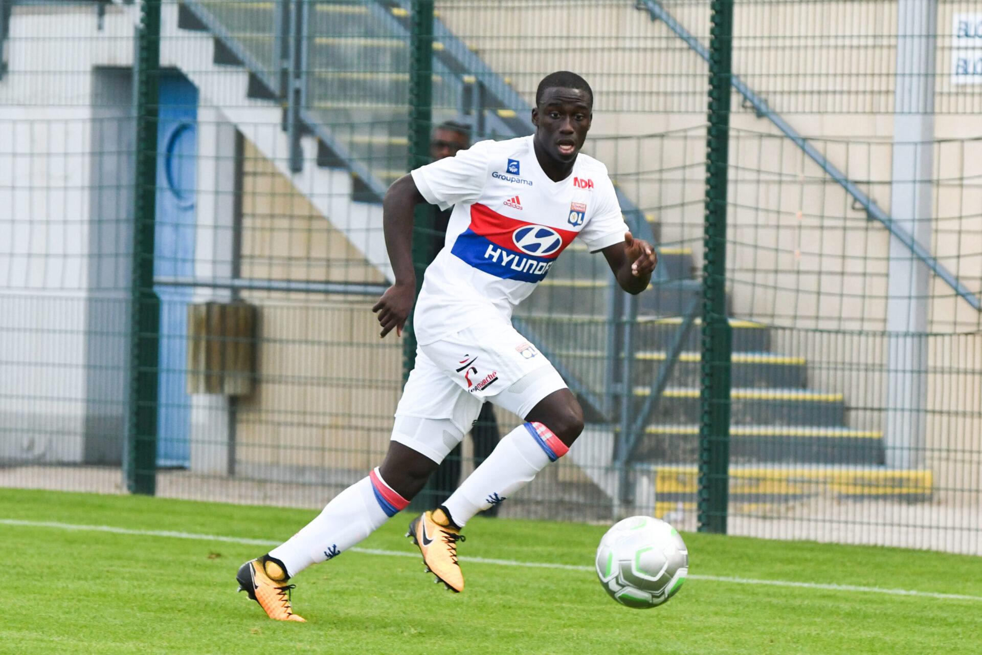 Ferland Mendy commençant sa carrière de footballeur en Ligue 1 avec l'Olympique Lyonnais (Icon Sport)