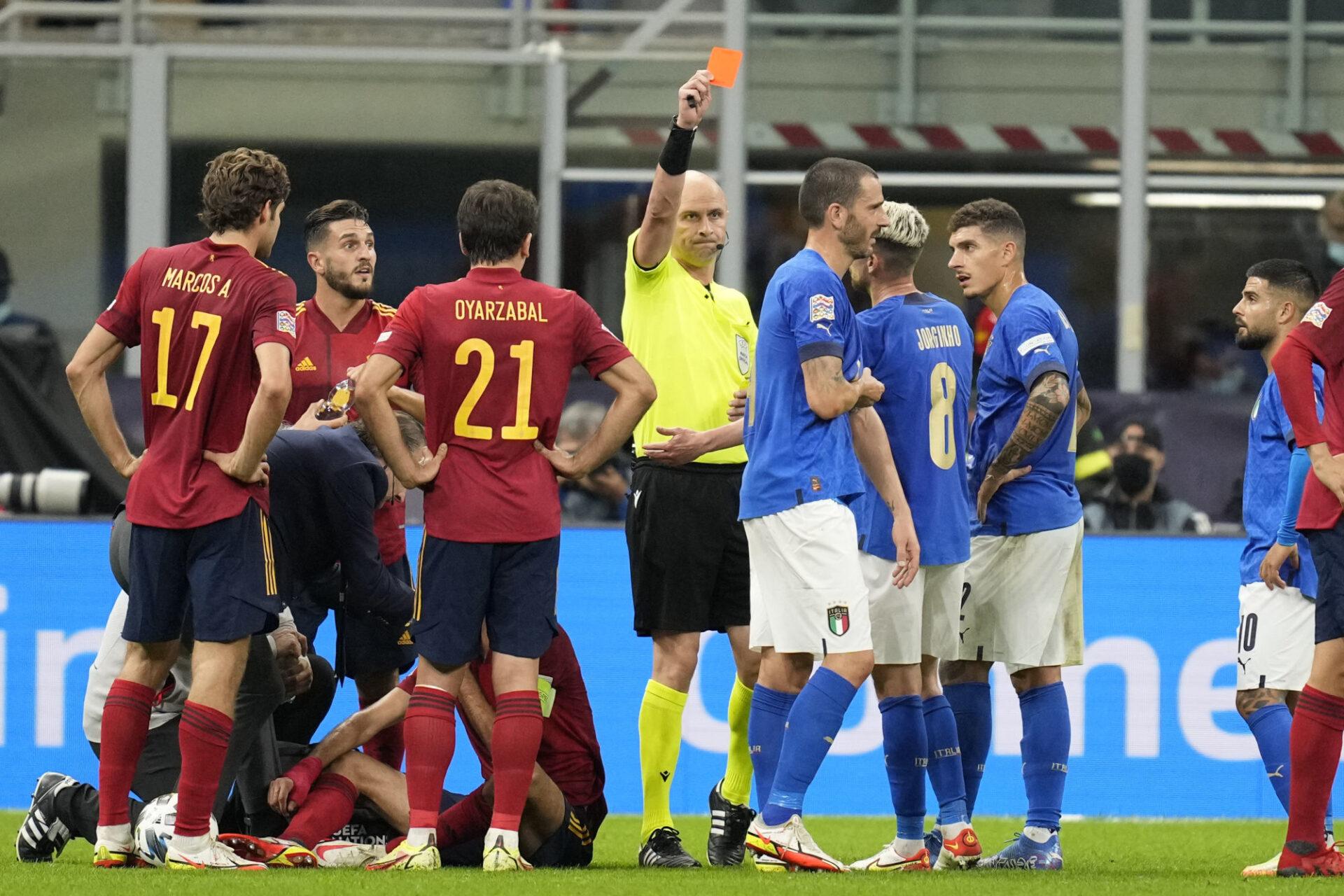 Leonardo Bonucci a été exclu à la 42e minute pour un coude en avant sur Busquets. Icon Sport