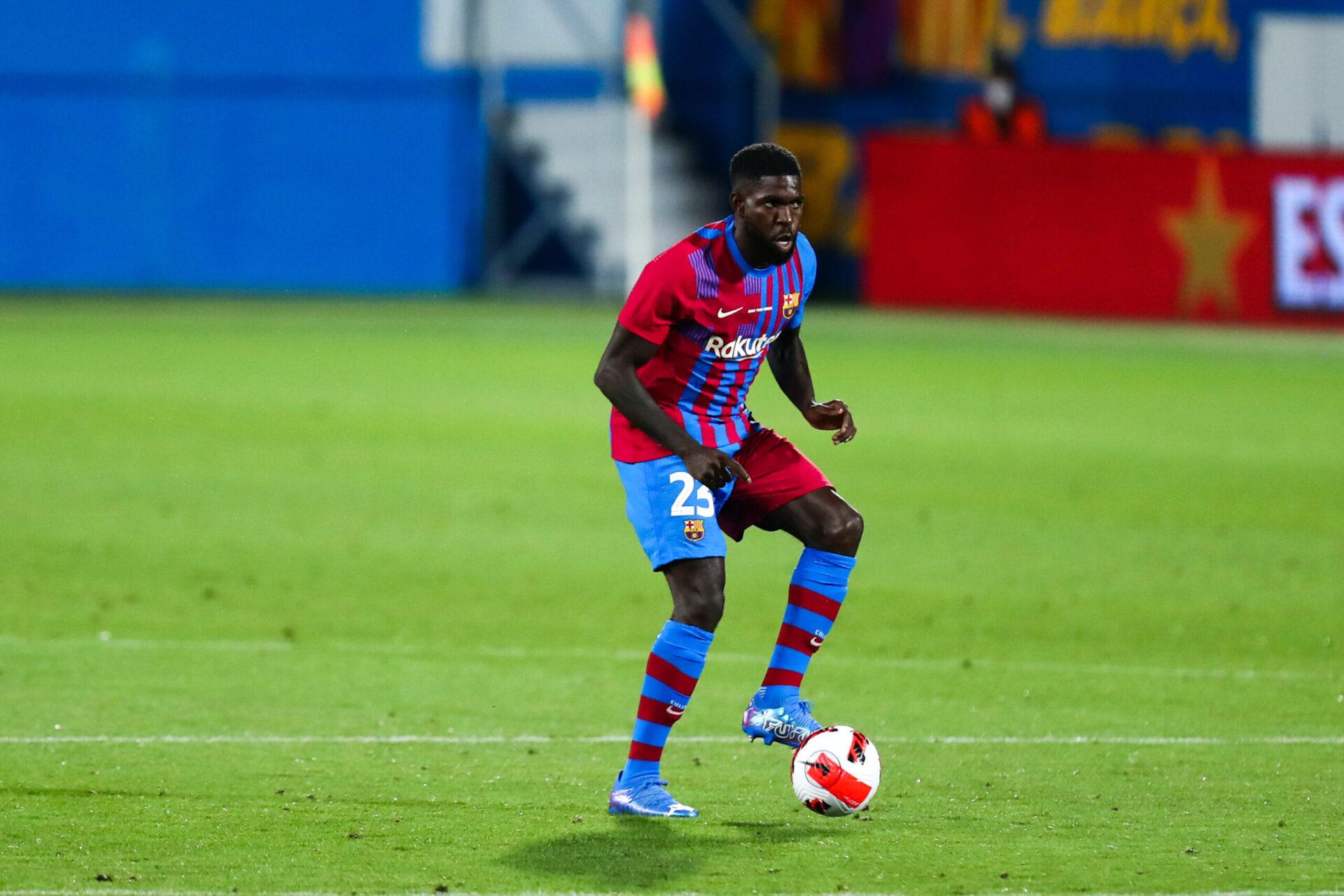 Samuel Umtiti n'est pas dans les plans de Ronald Koeman et est un grand abonné au banc barcelonais depuis plusieurs mois. Icon Sport