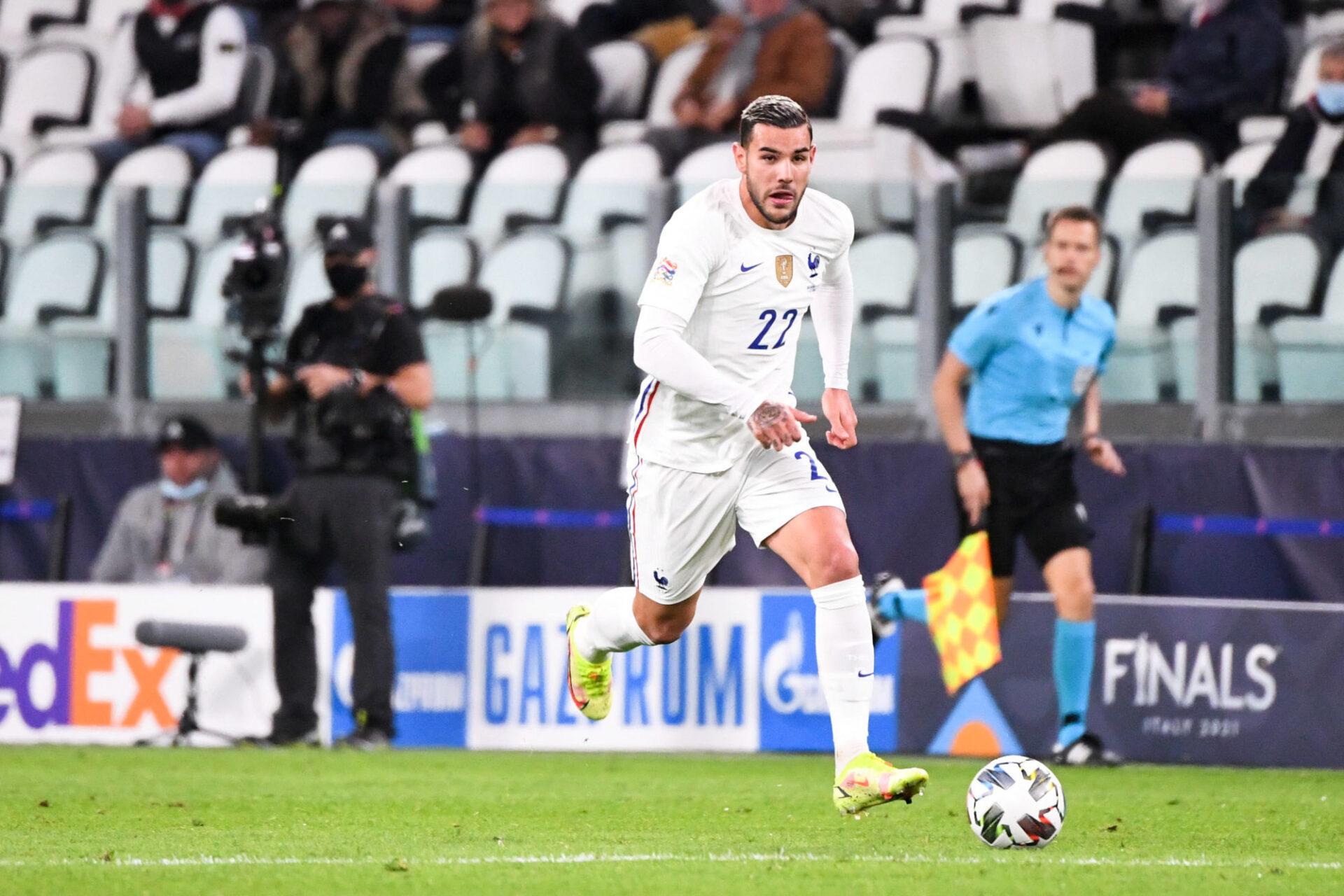 Si le 3-4-1-2 dernièrement utilisé contre la Finlande et la Belgique était reconduit contre l'Espagne, Theo Hernandez retrouverait probablement le poste de piston gauche. Icon Sport
