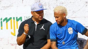 Le père de Neymar défend son fils sur les réseaux sociaux (iconsport)