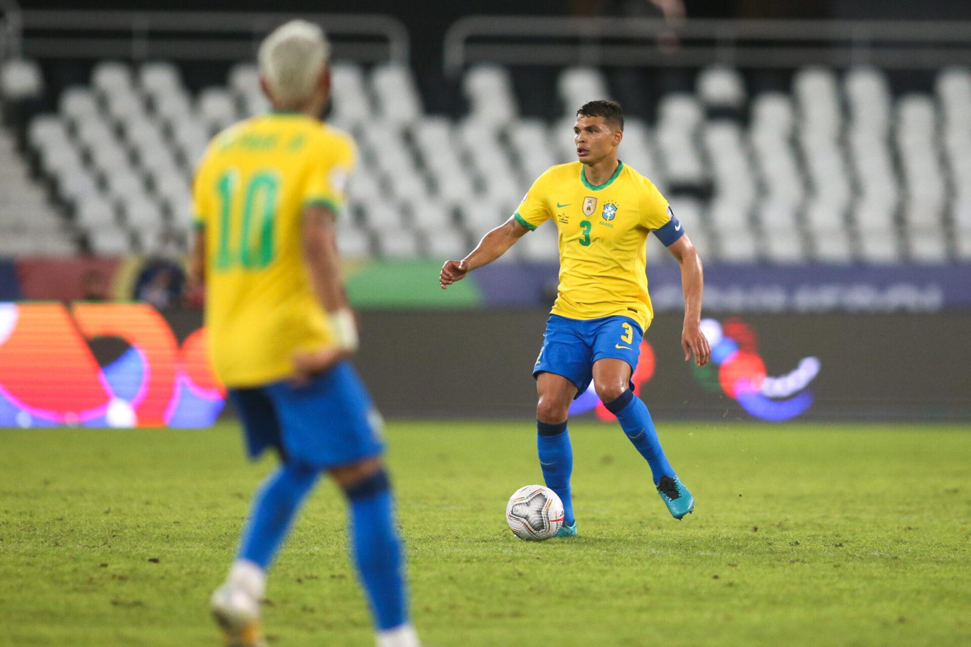Thiago Silva dénonce les attaques personnes au Brésil à l'encontre de Neymar (iconsport)