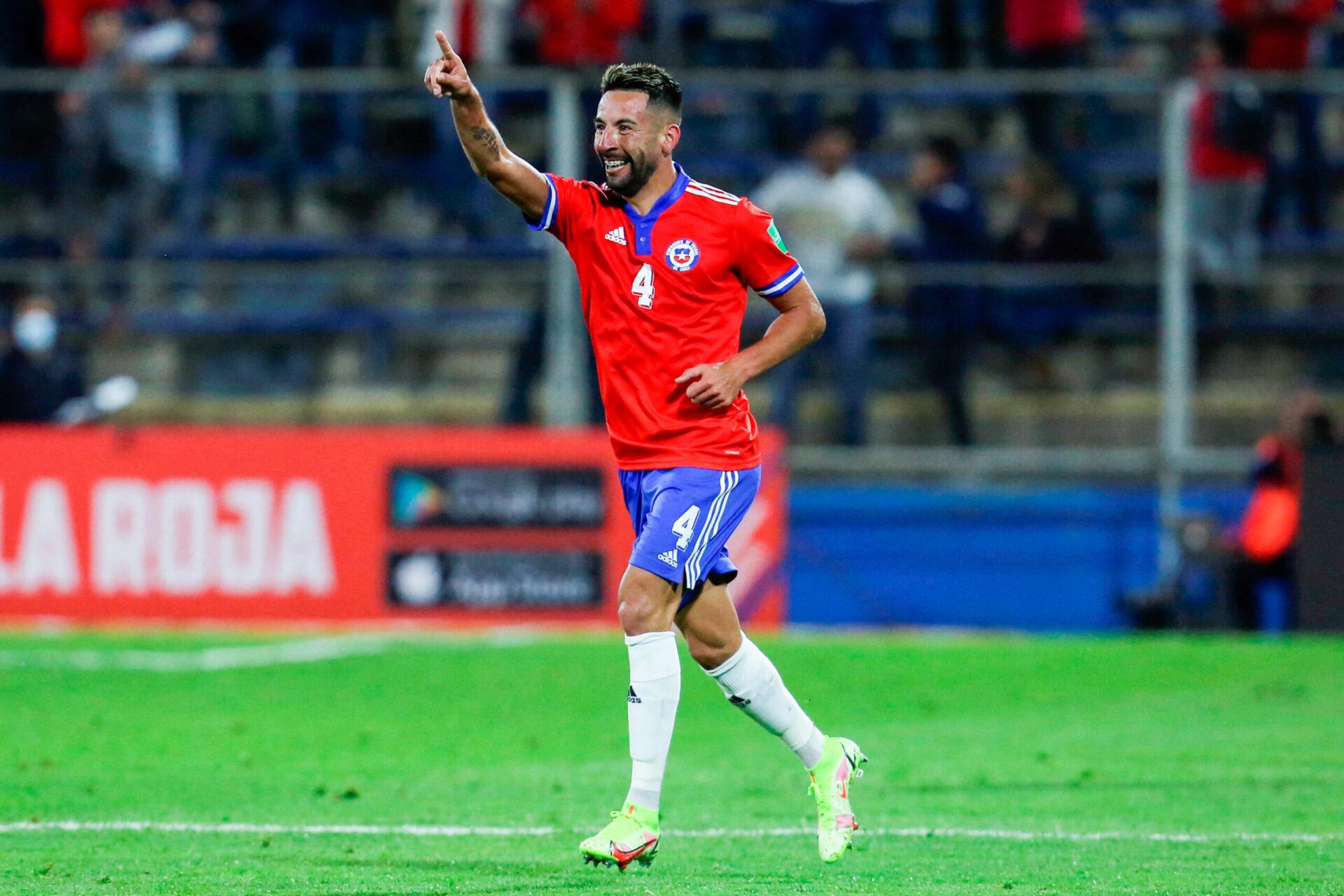Grâce notamment à l'ancien Marseillais Mauricio Isla, le Chili a dominé le Paraguay dans les qualifications à la Coupe du monde en Amérique du Sud (iconsport)
