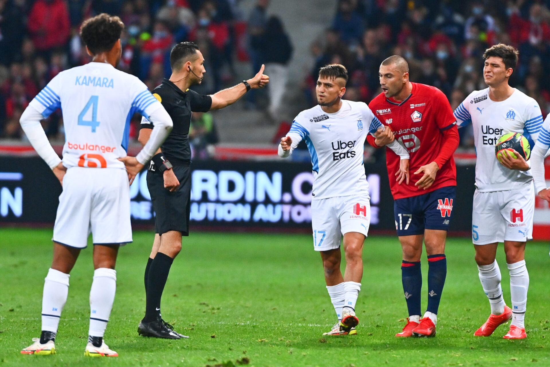 Les arbitres de Ligue 1 pourraient bientôt porter un micro (IconSport)