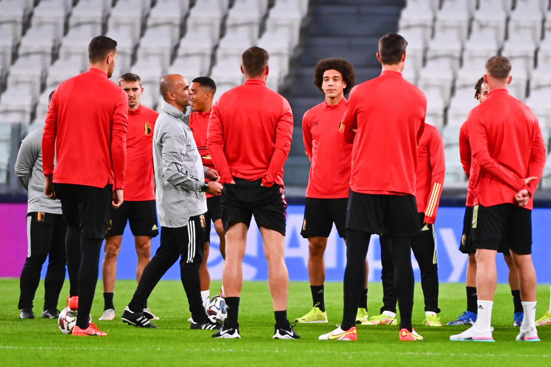 Roberto Martinez et ses joueurs lors d'une séance d'entrainement (iconsport)