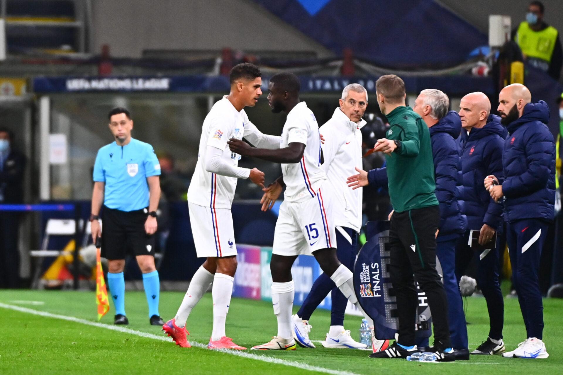 Juste avant la mi-temps, Raphaël Varane a dû céder sa place sur blessure à Dayot Upamecano. Icon Sport