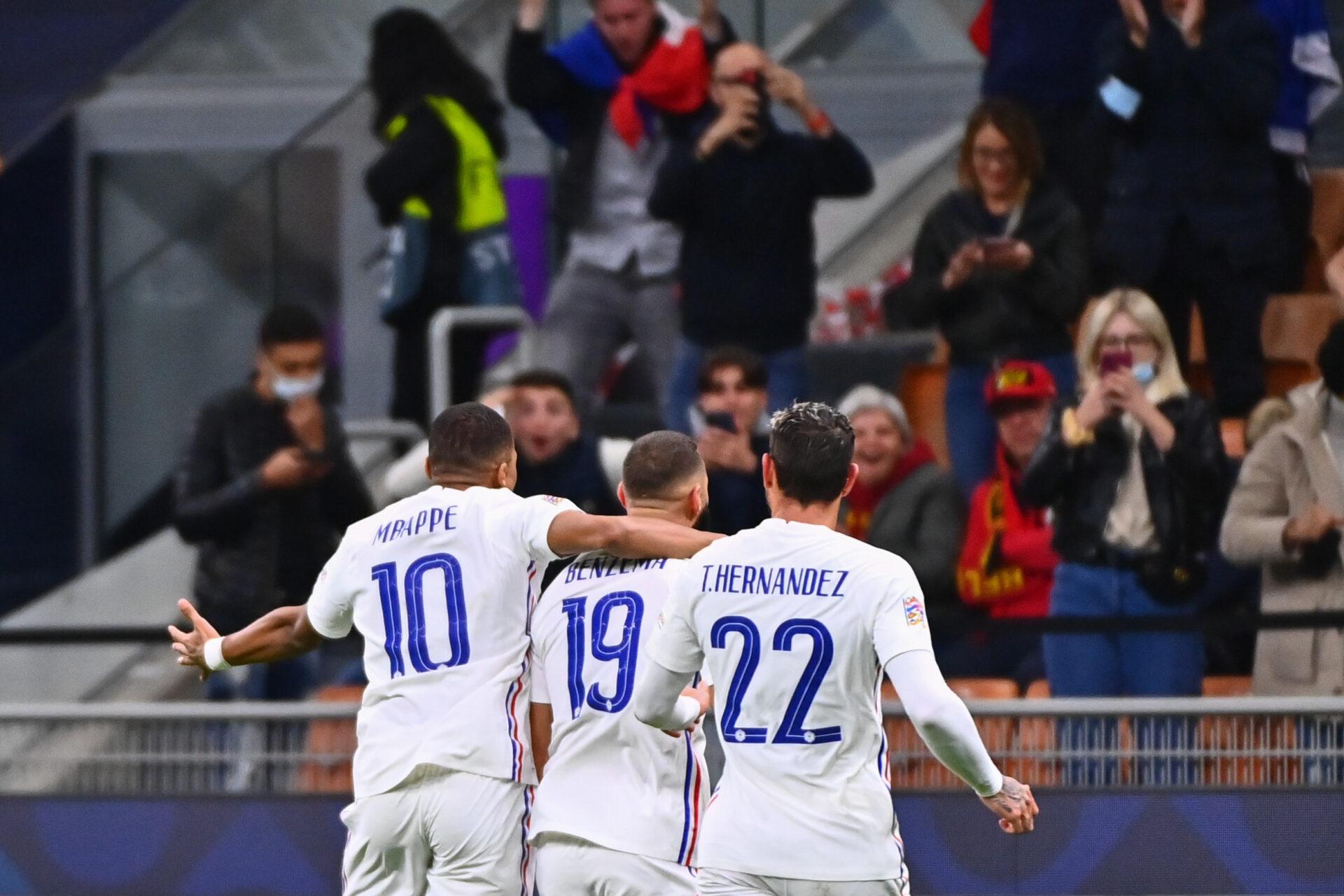 La joie des Bleus sur l'égalisation de Karim Benzema contre l'Espagne. Icon Sport