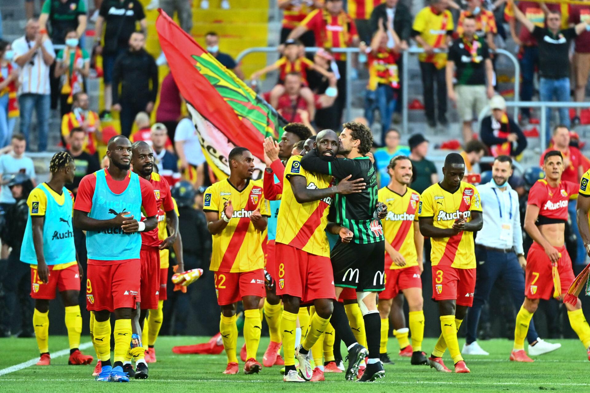 Quatre victoires, trois matchs nuls et une seule défaite : Lens est logiquement deuxième de Ligue 1. Icon Sport