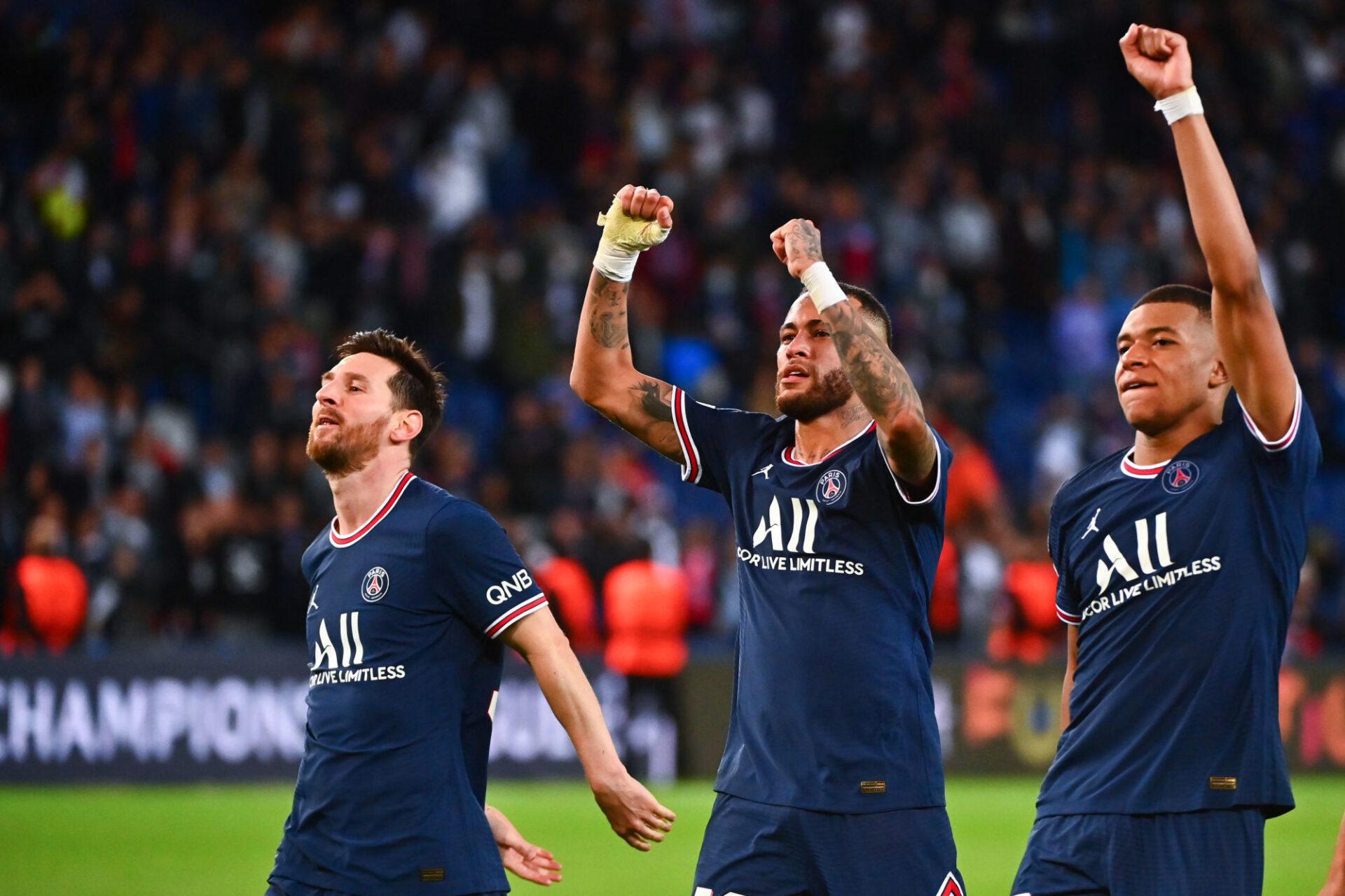 Lionel Messi pense qu'il doit former une équipe avec Neymar, Kylian Mbappé et tous ses autres partenaires du PSG pour gagner la Ligue des champions. Icon Sport