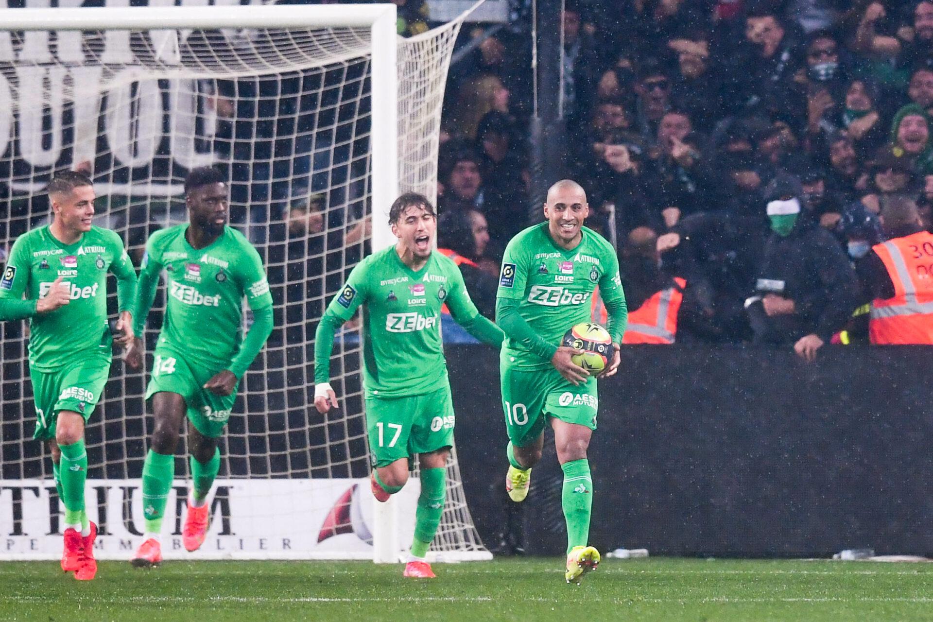 Avant de marquer dans le temps additionnel, l'ASSE de Puel a touché les montants à deux reprises contre Lyon (iconsport)
