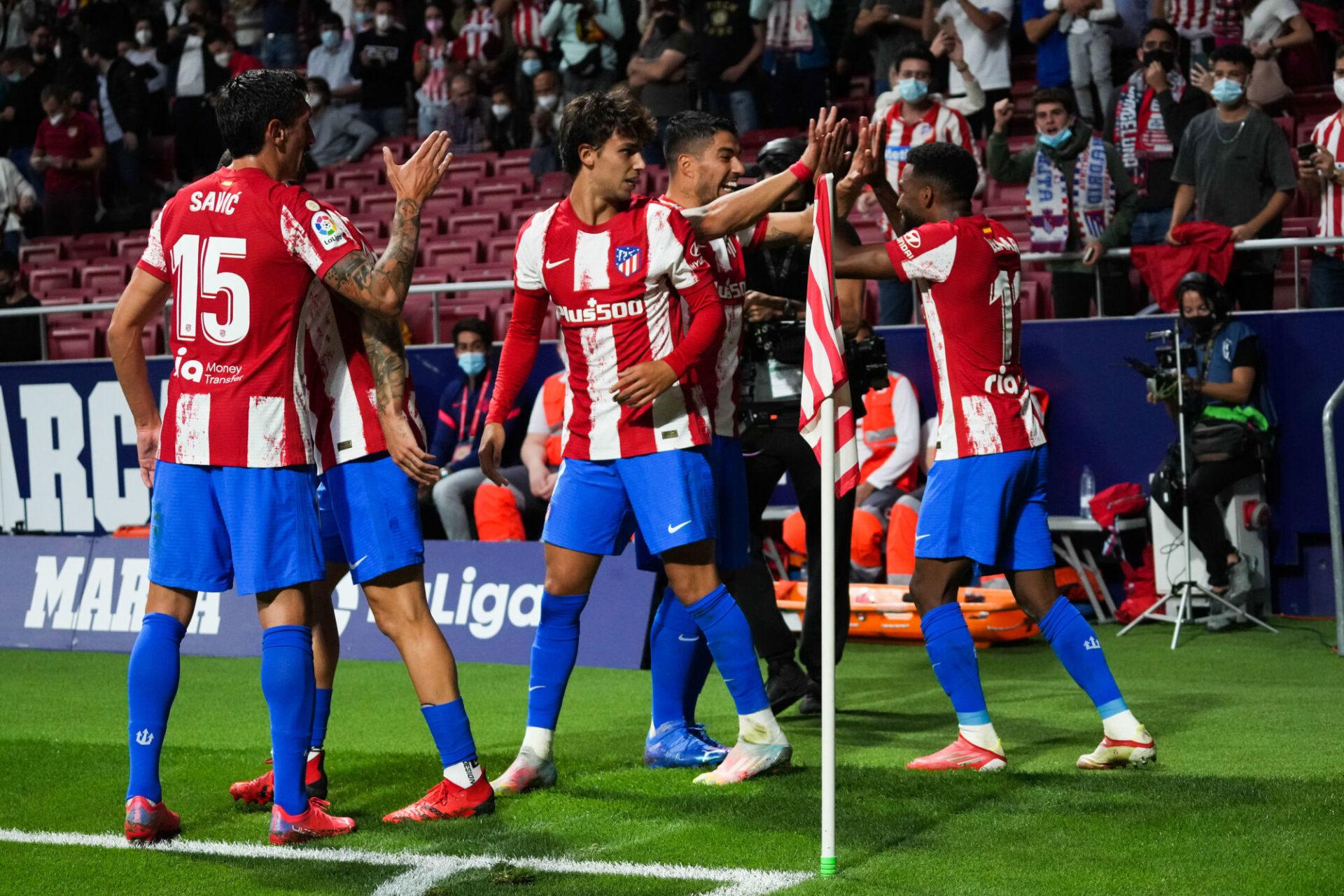 João Félix, Luis Suárez et Thomas Lemar ont fait vivre un enfer à la défense du Barça sur leurs rares offensives. Icon Sport