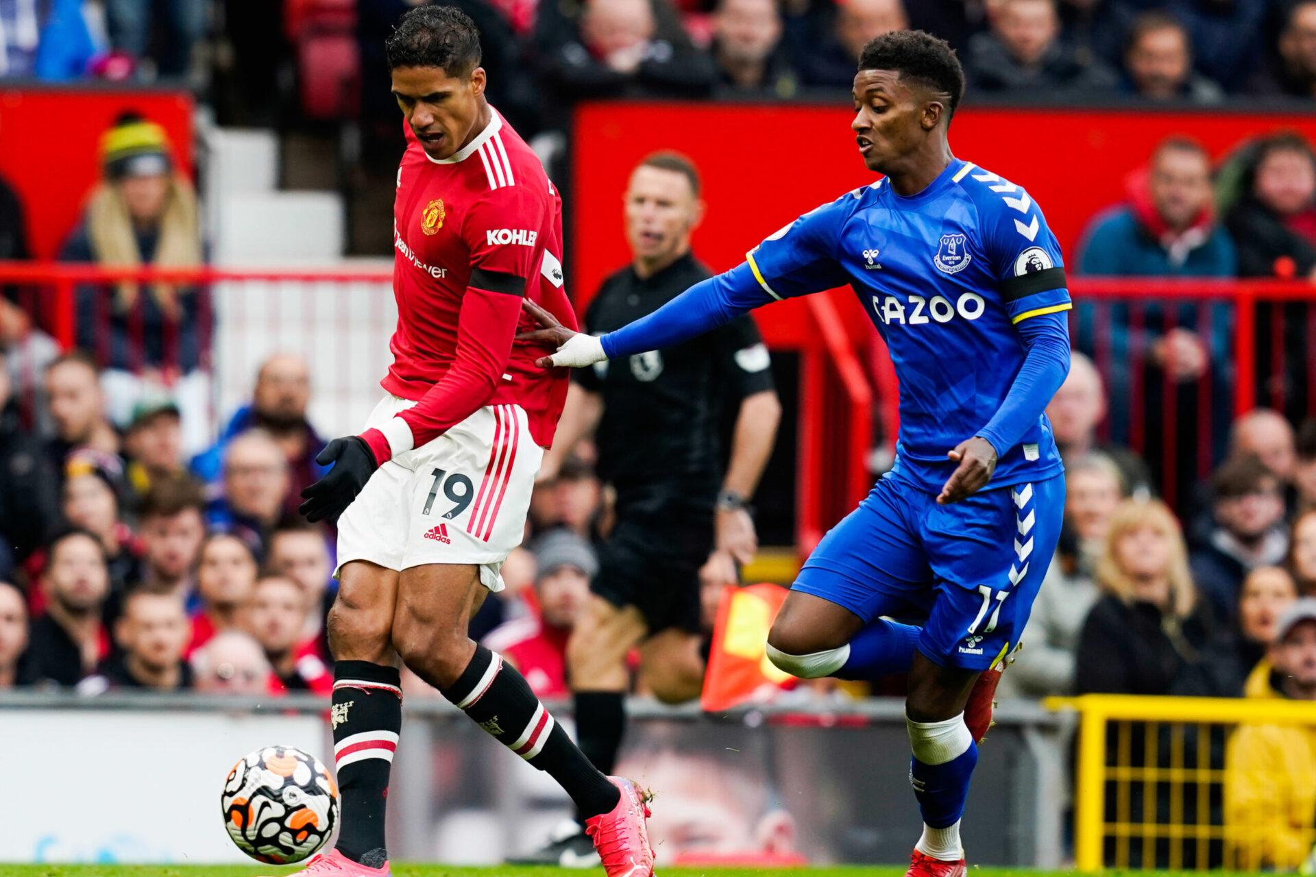 Alors que le programme de Manchester United est chargé, le club va devoir faire sans Raphaël Varane (iconsport)