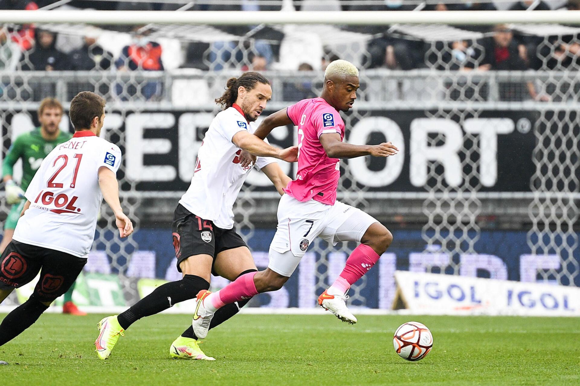 Amiens et Toulouse ont tout intérêt à monter en Ligue 1 cette saison, puisqu'il n'y aura plus que deux montées en 2022-2023. Icon Sport