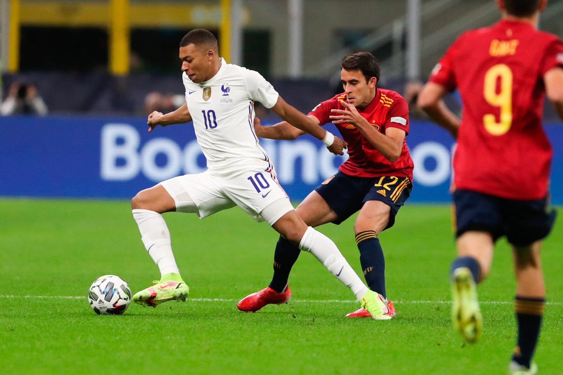 Deschamps ne connaissait pas la règle qui a permis à Mbappé d'être remis en jeu par García en finale de Ligue des nations (iconsport)