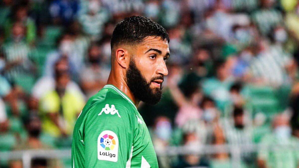 Alors que des rumeurs l'envoient à Newcastle depuis peu, Nabil Fekir semble vouloir rester au Betis (iconsport)