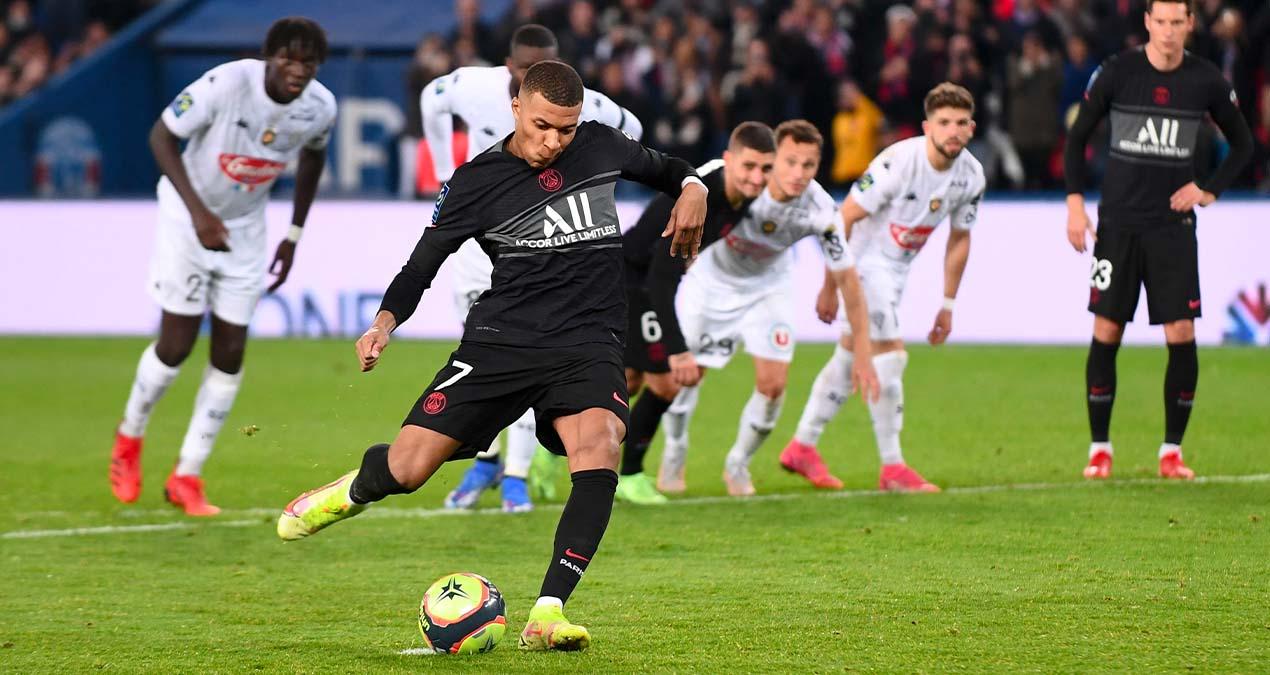 L1, PSG – Angers : le patron de l'arbitrage reconnaît qu'il n'y avait pas penalty pour Paris